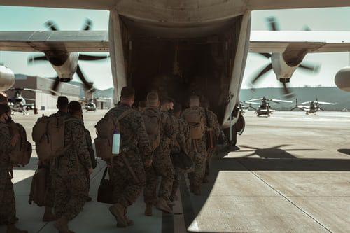 Topteknologiske tendenser og innovationer inden for forsvar